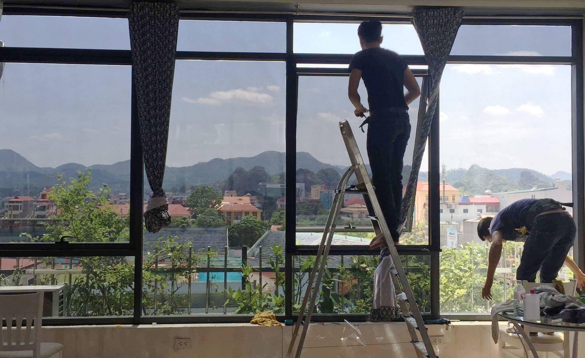 Dán kính chống nắng chung cư hấp thụ nhiệt, điều chỉnh ánh sáng